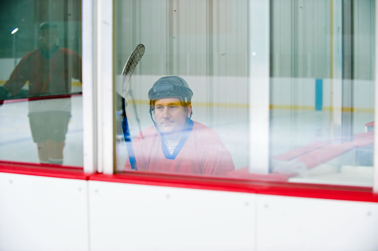 hockey-player-waiting-incognito-software