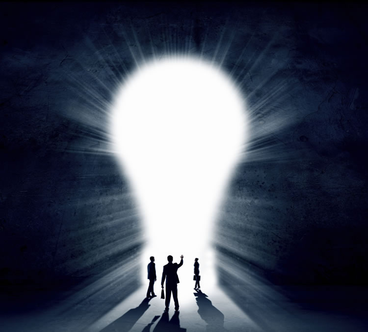 big-lightbulb-with-smaller-people-entering-the-light-incognito-software