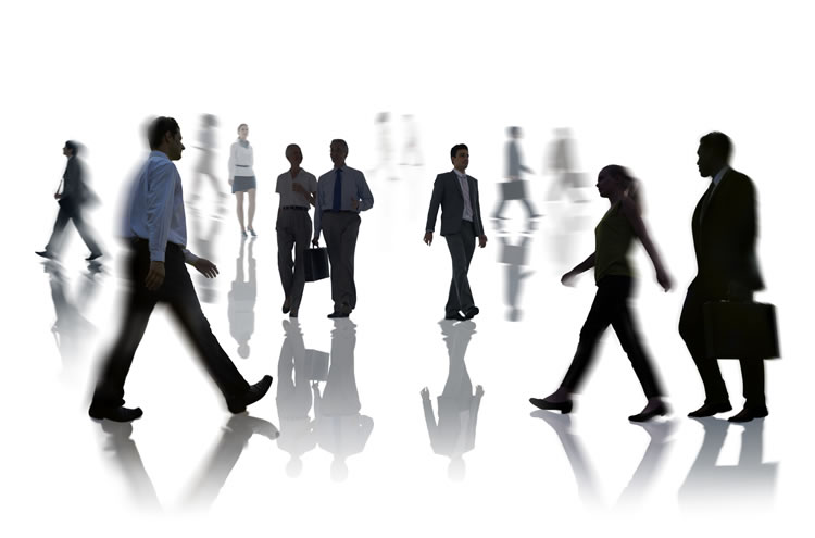 business-people-walking-into-different-directions-incognito-software